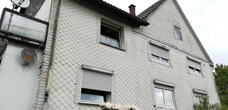 #81 Dreifamilienhaus mit Ackerland