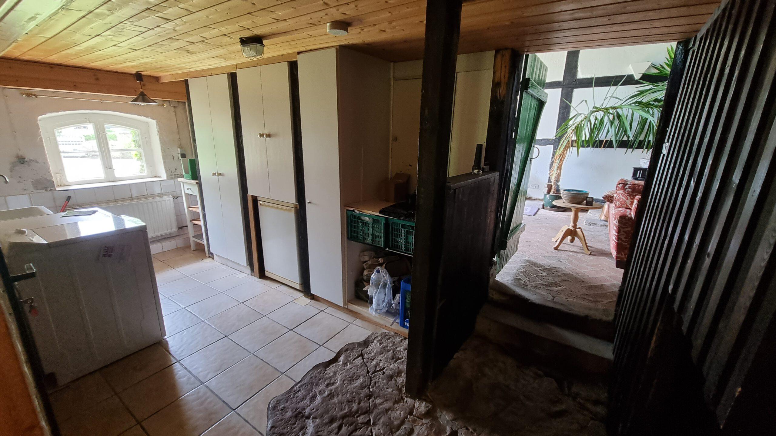 #331 Bauernhaus mit Werkstatt in Lügde Niese